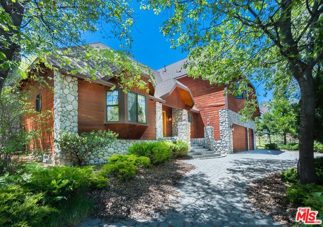 954 Tirol Way, Lake Arrowhead, CA 92352 (MLS #18342884) :: The John Jay Group - Bennion Deville Homes