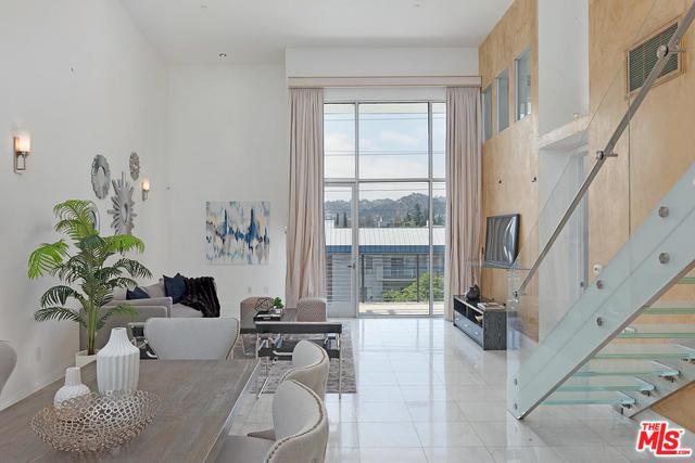 12837 Moorpark Street #401, Studio City, CA 91604 (MLS #18343918) :: Deirdre Coit and Associates