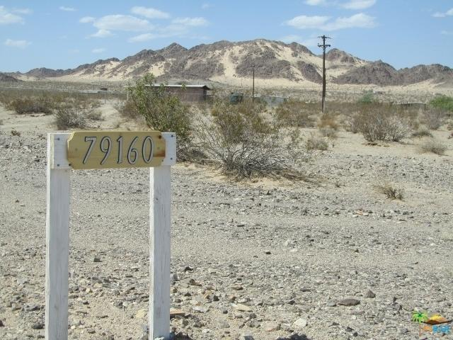 79160 Valle Vista Road, 29 Palms, CA 92277 (MLS #18344010PS) :: Team Wasserman