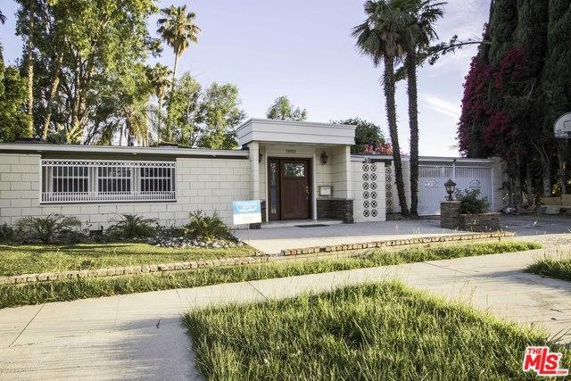 19552 Stagg Street, Reseda, CA 91335 (MLS #18344172) :: Hacienda Group Inc
