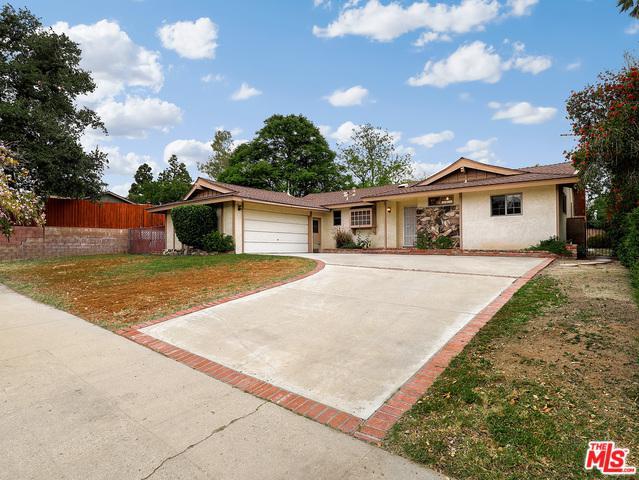 10440 Lurline Avenue, Chatsworth, CA 91311 (MLS #18344248) :: Team Wasserman