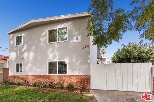 229 E 57th Street, Long Beach, CA 90805 (MLS #18344346) :: The John Jay Group - Bennion Deville Homes