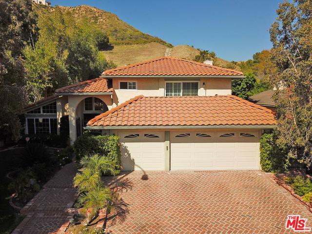 11845 Killimore Avenue, Porter Ranch, CA 91326 (MLS #18344410) :: Team Wasserman
