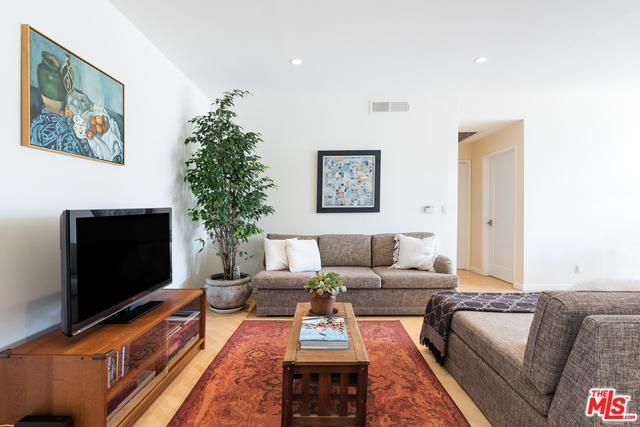 2045 Beloit Avenue #203, Los Angeles (City), CA 90025 (MLS #18344486) :: Team Wasserman