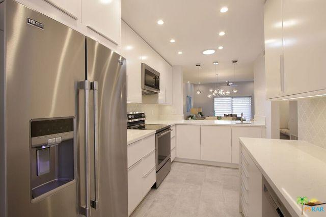 877 E Arenas Road, Palm Springs, CA 92262 (MLS #18344634PS) :: Deirdre Coit and Associates