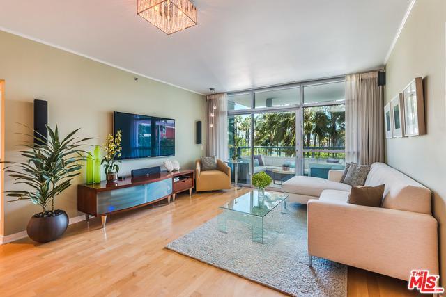 13650 Marina Pointe Drive #308, Marina Del Rey, CA 90292 (MLS #18344644) :: Deirdre Coit and Associates