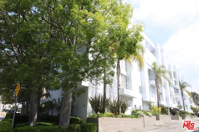 514 S Barrington Avenue #105, Los Angeles (City), CA 90049 (MLS #18344658) :: Team Wasserman
