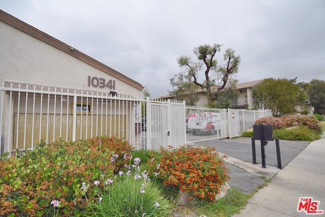 10341 Canoga Avenue #24, Chatsworth, CA 91311 (MLS #18344726) :: Team Wasserman