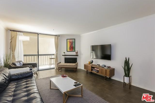 7320 Hawthorn Avenue #211, Los Angeles (City), CA 90046 (MLS #18344984) :: Team Wasserman