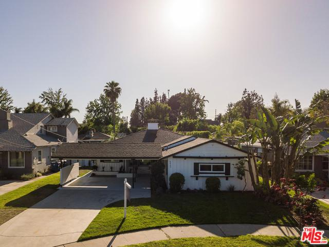 4907 Bluebell Avenue, Valley Village, CA 91607 (MLS #18345030) :: Deirdre Coit and Associates
