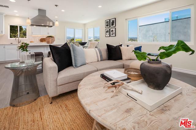 631 Pacific Street #4, Santa Monica, CA 90405 (MLS #18345826) :: Deirdre Coit and Associates