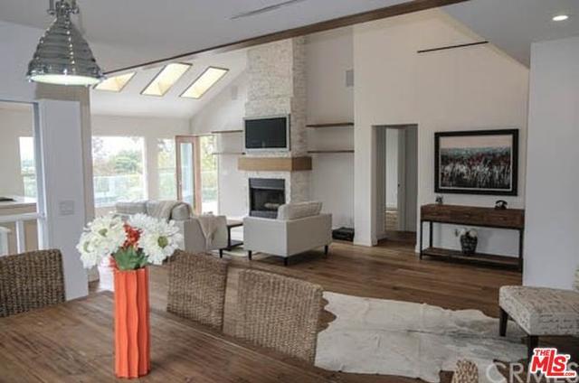 11557 Sunshine Terrace, Studio City, CA 91604 (MLS #18345872) :: Deirdre Coit and Associates