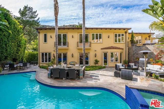 1930 Benedict Canyon Drive, Beverly Hills, CA 90210 (MLS #18346366) :: Team Wasserman