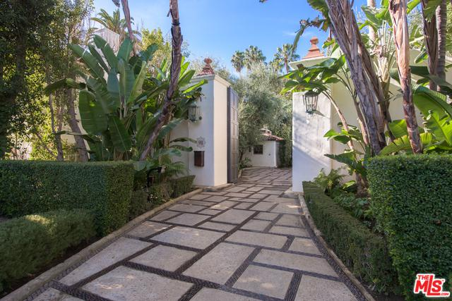 911 N Beverly Drive, Beverly Hills, CA 90210 (MLS #18346446) :: Team Wasserman