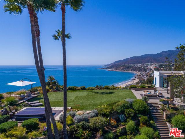 17480 Revello Drive, Pacific Palisades, CA 90272 (MLS #18346908) :: Team Wasserman