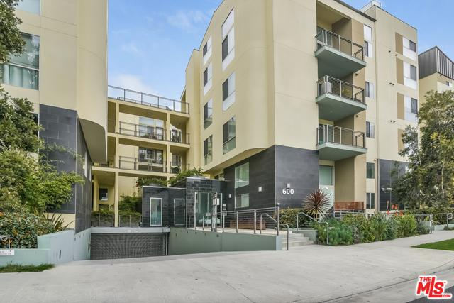 600 S Ridgeley Drive #109, Los Angeles (City), CA 90036 (MLS #18347074) :: Team Wasserman