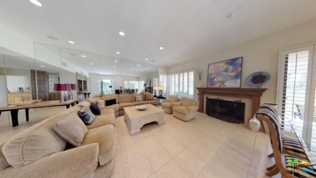 18 Duke Drive, Rancho Mirage, CA 92270 (MLS #18347096PS) :: Brad Schmett Real Estate Group