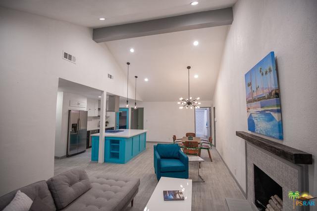 4283 E Calle San Antonio, Palm Springs, CA 92264 (MLS #18347930PS) :: Brad Schmett Real Estate Group