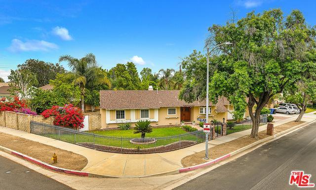 11028 Etiwanda Avenue, Porter Ranch, CA 91326 (MLS #18349376) :: Hacienda Group Inc
