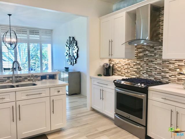 71 Westlake Circle, Palm Springs, CA 92264 (MLS #18350392PS) :: The John Jay Group - Bennion Deville Homes