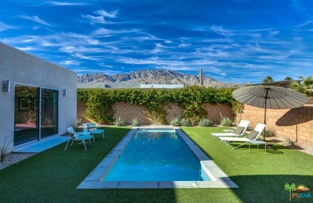 663 Bliss Way, Palm Springs, CA 92262 (MLS #18350690PS) :: Brad Schmett Real Estate Group