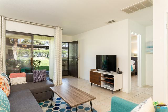 680 N Ashurst Court I100, Palm Springs, CA 92262 (MLS #18351920PS) :: Team Wasserman