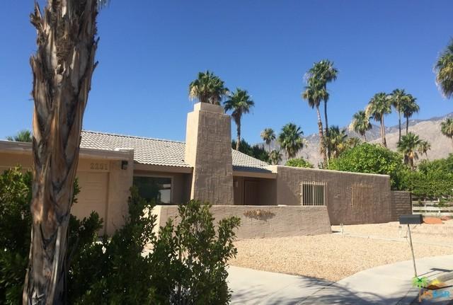 2251 E Calle Papagayo, Palm Springs, CA 92262 (MLS #18352408PS) :: Brad Schmett Real Estate Group