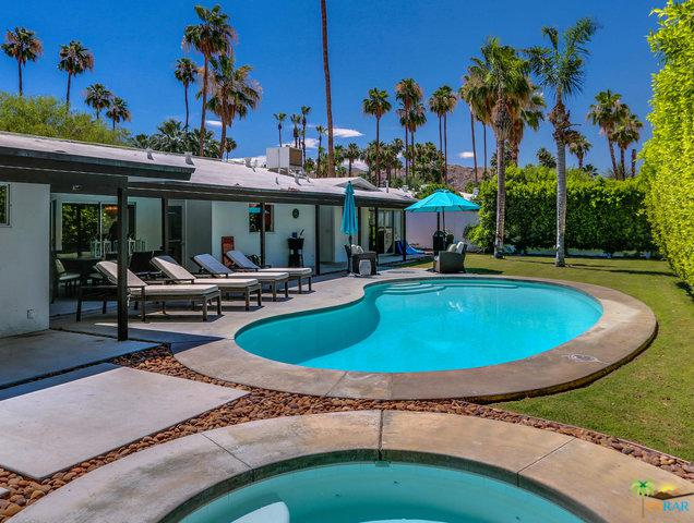 1133 S Calle Rolph, Palm Springs, CA 92264 (MLS #18352416PS) :: Brad Schmett Real Estate Group