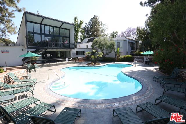 18645 Hatteras Street #141, Tarzana, CA 91356 (MLS #18352442) :: Hacienda Group Inc