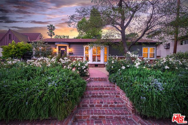 4445 Placidia Avenue, Toluca Lake, CA 91602 (MLS #18353404) :: Hacienda Group Inc