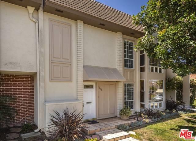 9806 Villa Pacific Drive, Huntington Beach, CA 92646 (MLS #18353658) :: The John Jay Group - Bennion Deville Homes