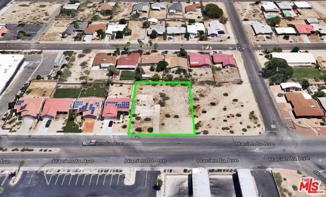 66604 Hacienda Avenue, Desert Hot Springs, CA 92240 (MLS #18353892) :: Brad Schmett Real Estate Group