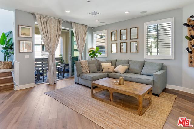 5822 Lantern Court, Playa Vista, CA 90094 (MLS #18354386) :: Hacienda Group Inc