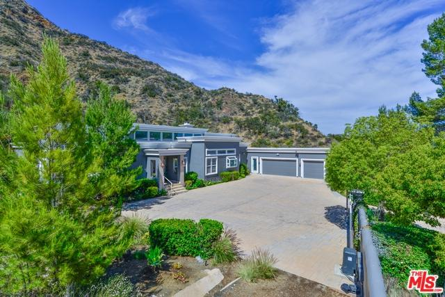 3701 Kanan Road, Agoura Hills, CA 91301 (MLS #18354556) :: Hacienda Group Inc