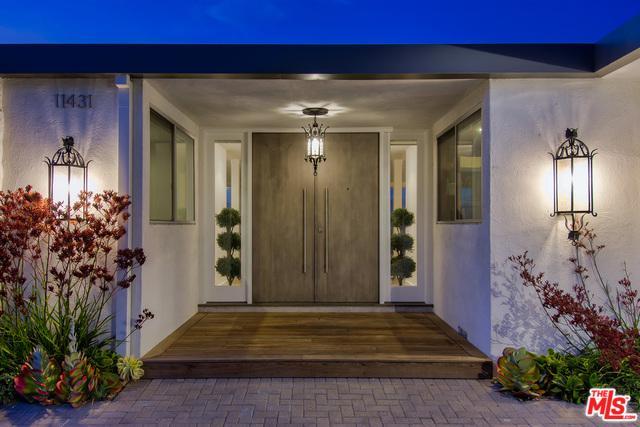 11431 Dona Teresa Drive, Studio City, CA 91604 (MLS #18355126) :: Hacienda Group Inc