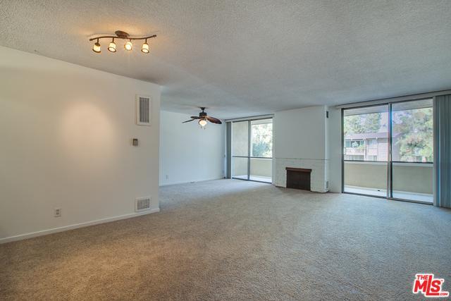 6405 Green Valley Circle #207, Culver City, CA 90230 (MLS #18355550) :: Hacienda Group Inc