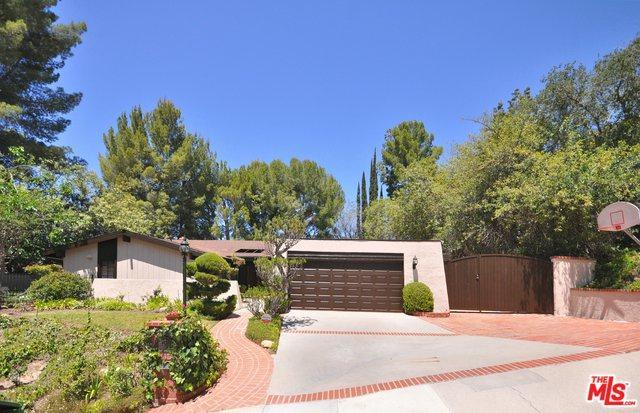 4221 Gayle Drive, Tarzana, CA 91356 (MLS #18355764) :: Hacienda Group Inc
