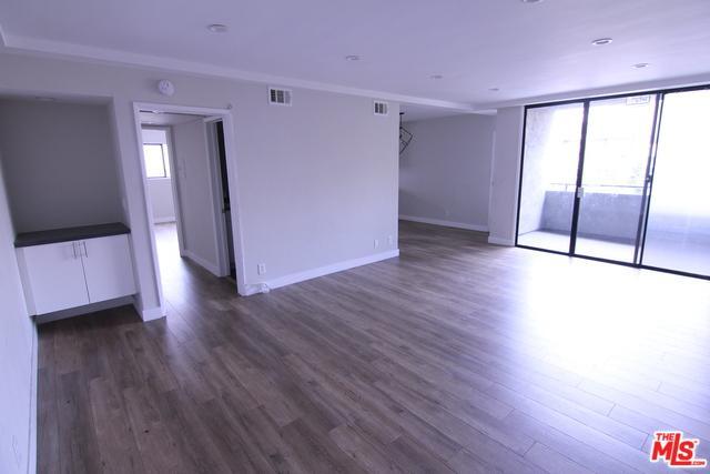 121 N Hamilton Drive #201, Beverly Hills, CA 90211 (MLS #18355812) :: The John Jay Group - Bennion Deville Homes
