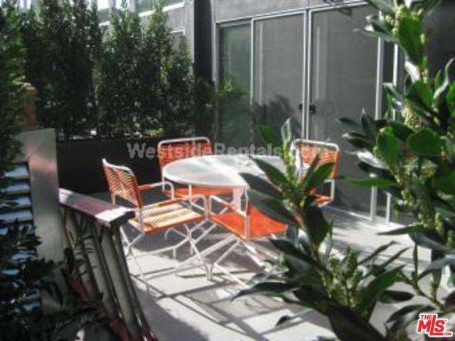 4215 Glencoe #107, Marina Del Rey, CA 90292 (MLS #18356594) :: Hacienda Group Inc