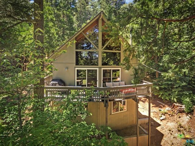376 Primrose Circle, Lake Arrowhead, CA 92352 (MLS #18356686PS) :: Hacienda Group Inc