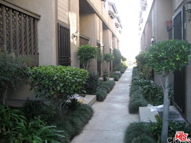850 W 157th Street #7, Gardena, CA 90247 (MLS #18356812) :: The John Jay Group - Bennion Deville Homes