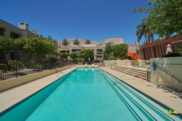 440 E Village Square, Palm Springs, CA 92262 (MLS #18356980PS) :: Brad Schmett Real Estate Group