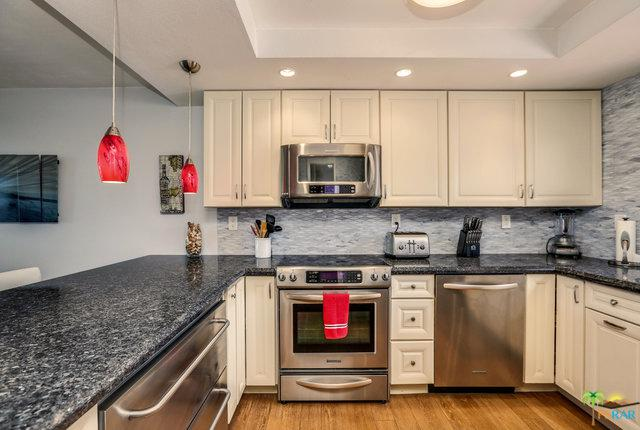 1290 Via Tenis, Palm Springs, CA 92262 (MLS #18357922PS) :: Brad Schmett Real Estate Group