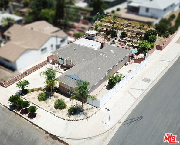 8330 Petaluma Drive, Sun Valley, CA 91352 (MLS #18358786) :: Team Wasserman