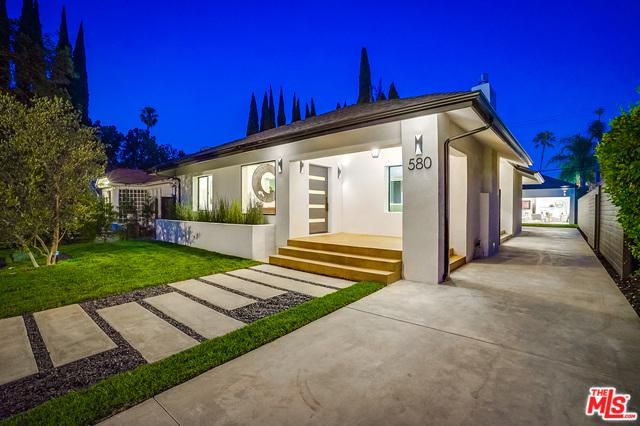 580 N Lucerne, Los Angeles (City), CA 90004 (MLS #18359508) :: The John Jay Group - Bennion Deville Homes