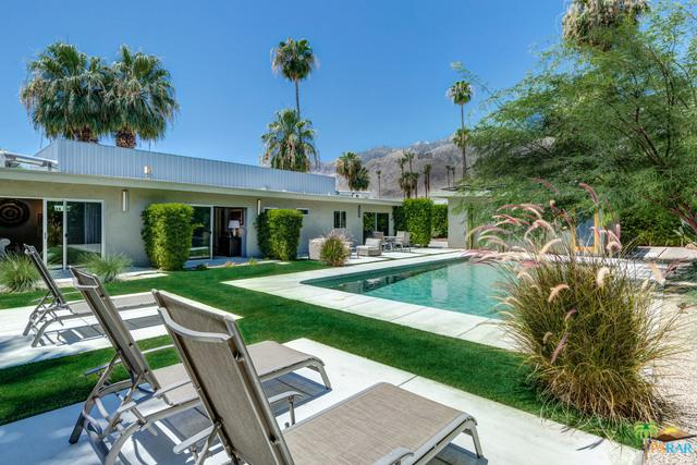 1054 E San Lucas Road, Palm Springs, CA 92264 (MLS #18361466PS) :: Brad Schmett Real Estate Group