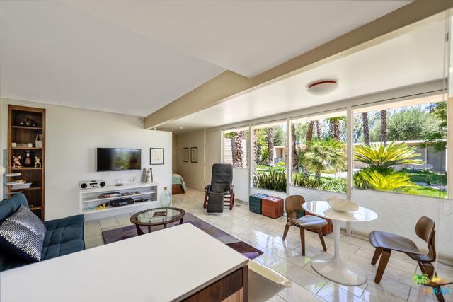 360 Cabrillo Road #202, Palm Springs, CA 92262 (MLS #18361564PS) :: Brad Schmett Real Estate Group