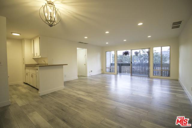 8601 International Avenue #150, Canoga Park, CA 91304 (MLS #18361900) :: Team Wasserman