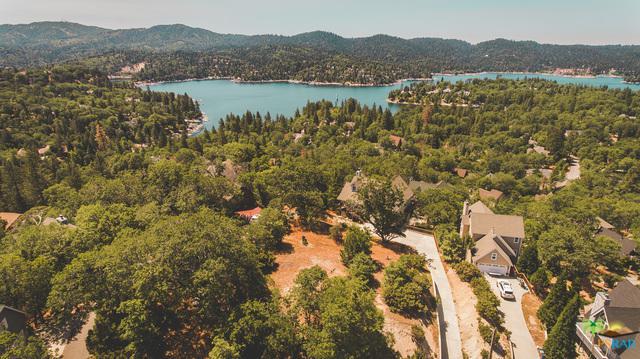 28731 Bryce Drive, Lake Arrowhead, CA 92352 (MLS #18361956PS) :: The John Jay Group - Bennion Deville Homes