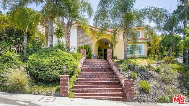 9945 Edmore Place, Sun Valley, CA 91352 (MLS #18363100) :: Team Wasserman